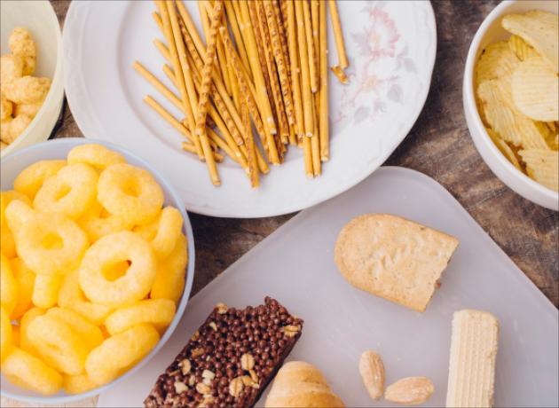 「PHOs( 部分水素添加油脂 ) 含有食品」と日本の食品